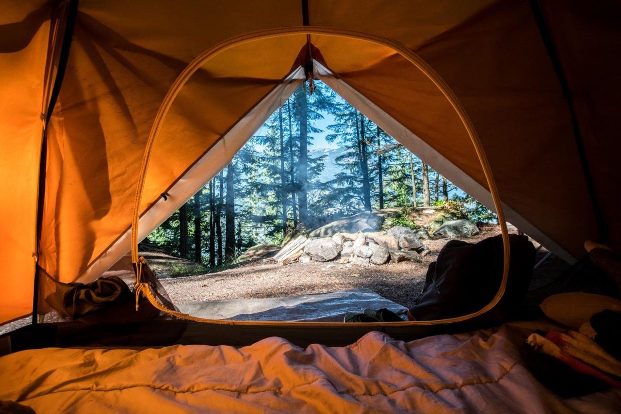 schlafen im zelt camping