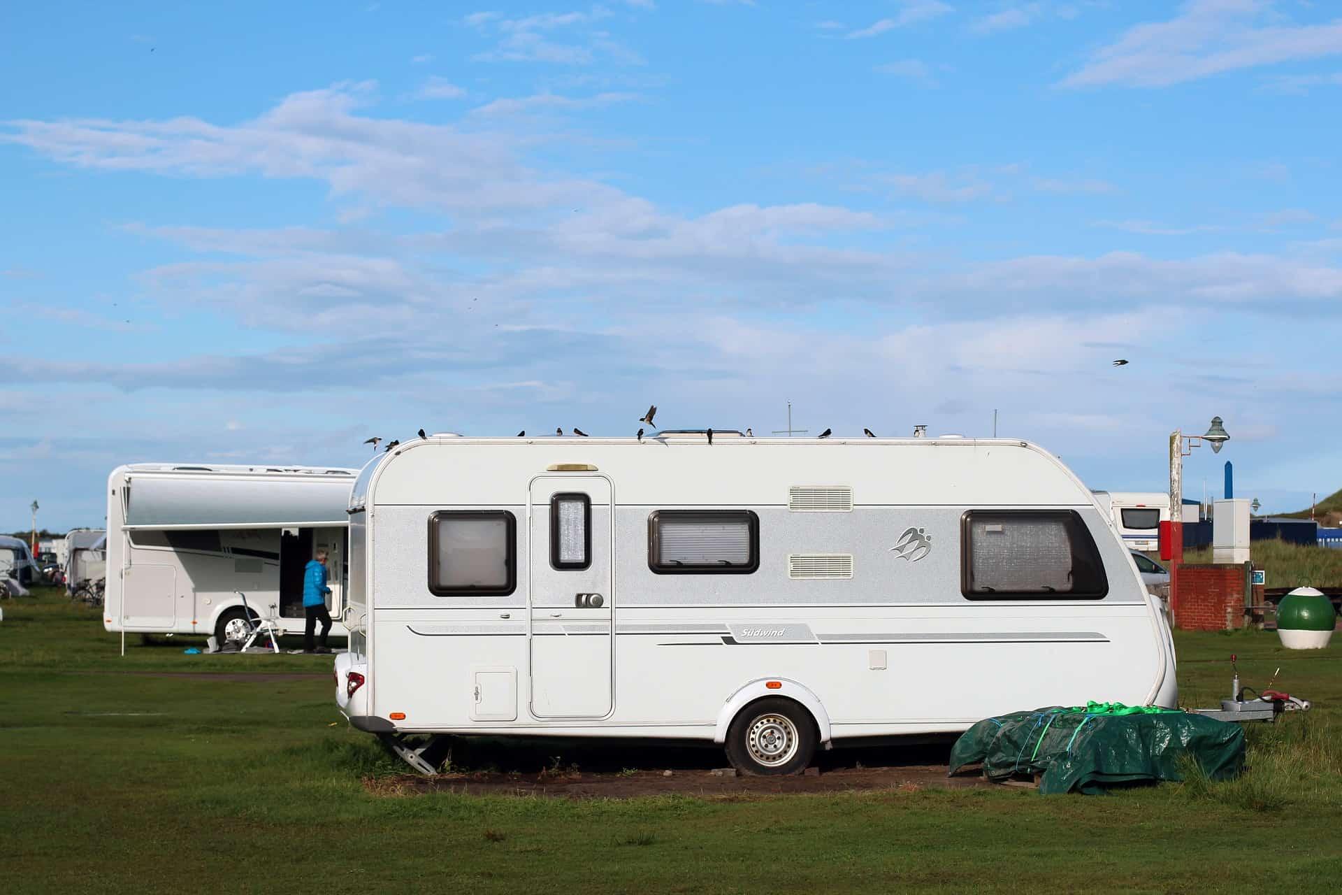 Wohnwagen Rangieren Einparken auf Campingplatz