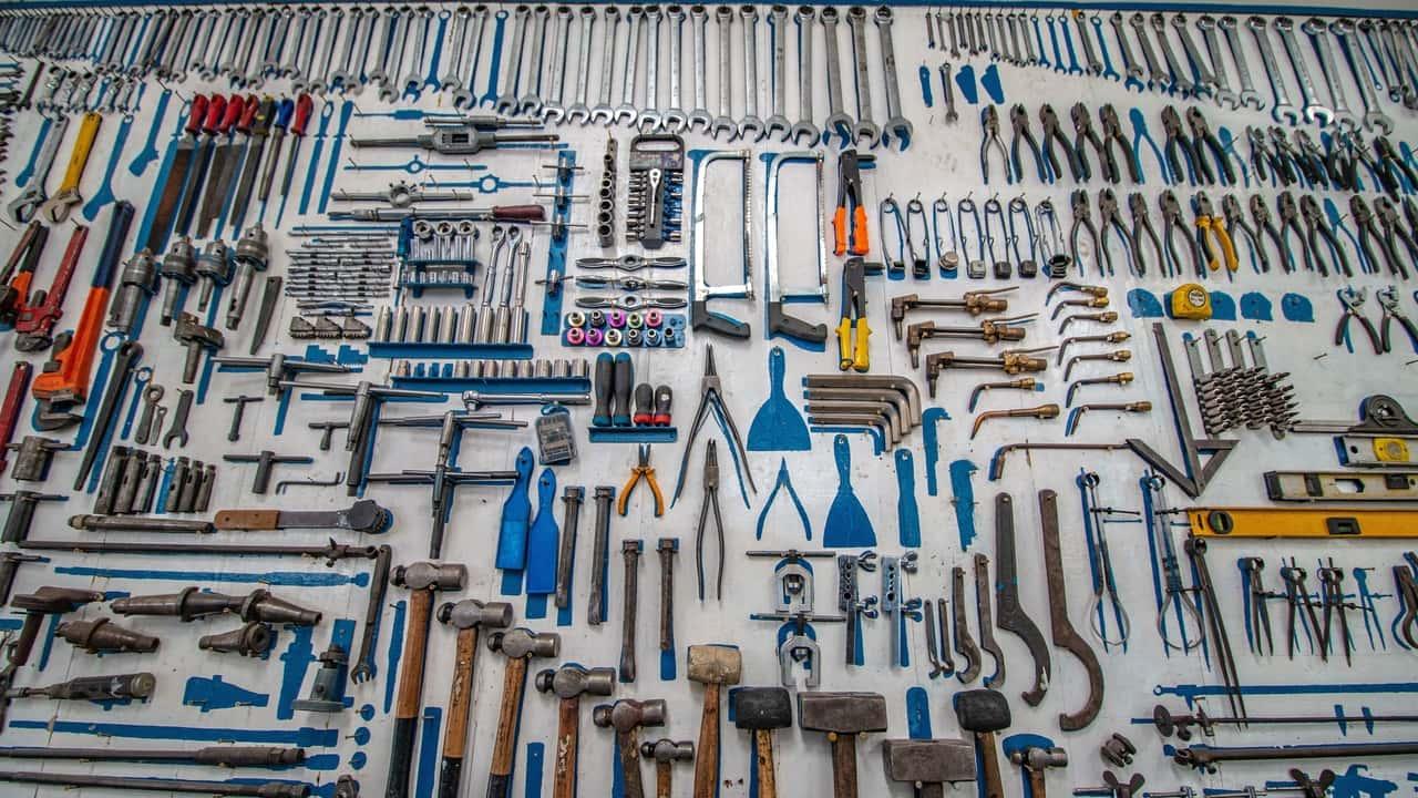 verschiedenes Werkzeug für Camper 2