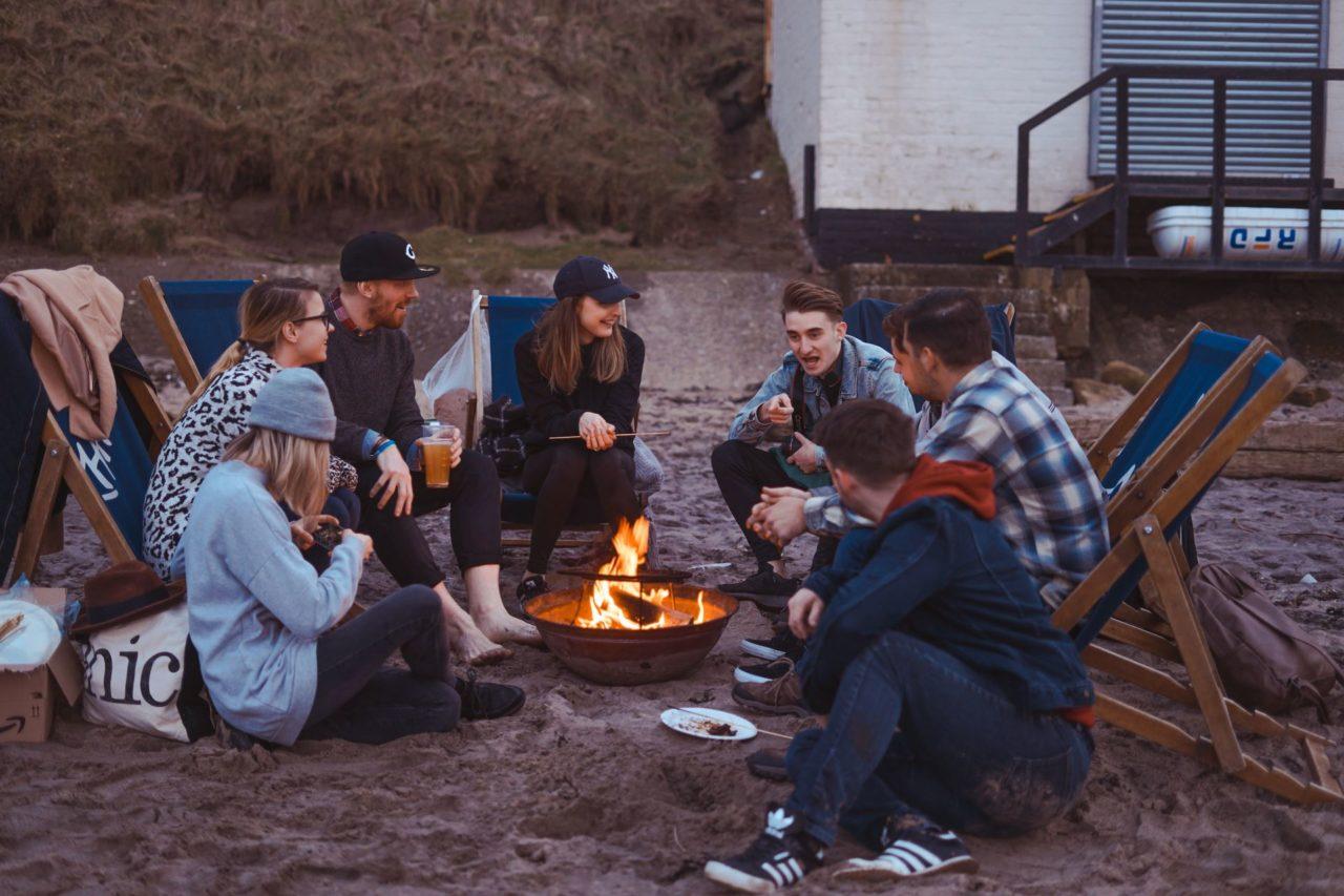 spiel-camping-lagerfeuer-es-war-einmal-ein-stinktier-spielrunde