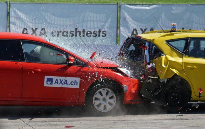 Fahrzueuge Unfall Aufprall