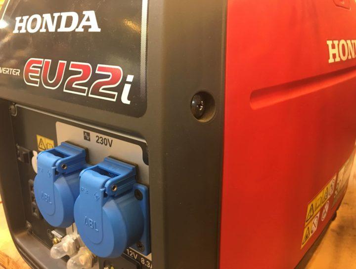 Honda EU 22i Stromerzeuger Front & Seitenansicht