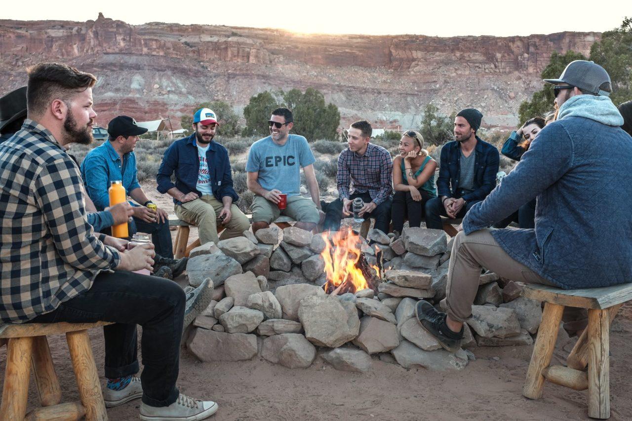 Spiel für den Campingplatz: Wahrheit oder Pflicht 1