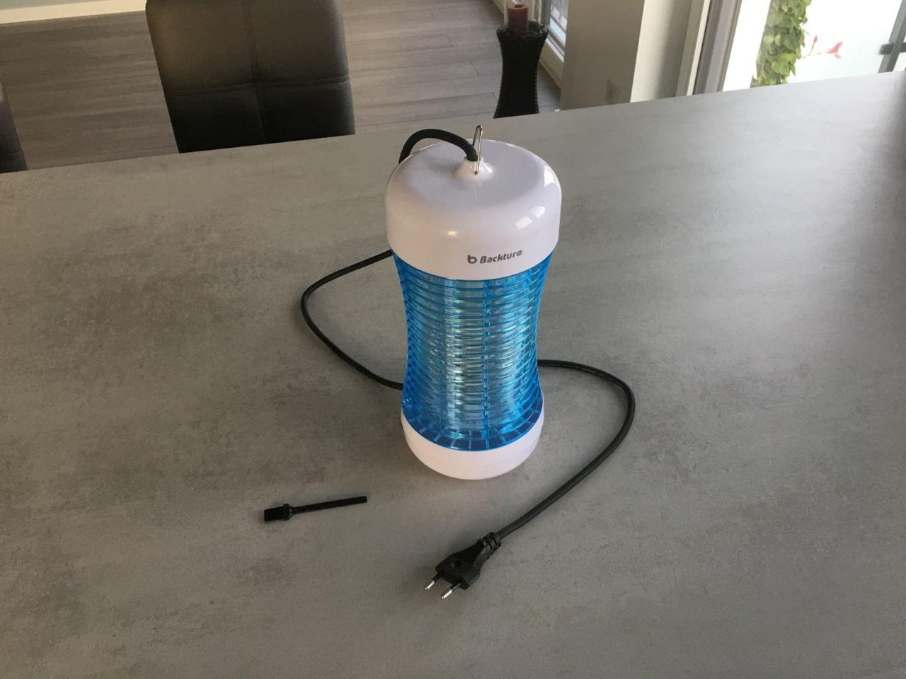 elektrische Fliegenfalle Backture mit Reinigungsbürste