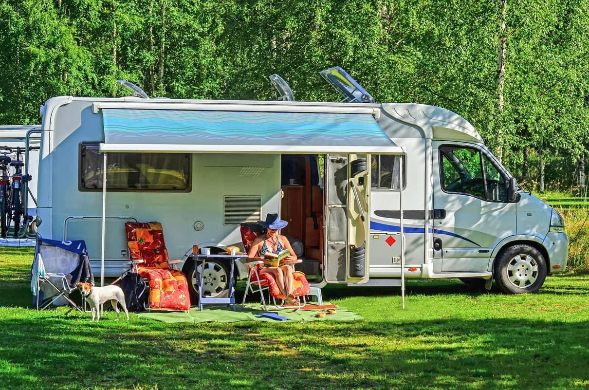 Wohnmobil & Caravan Markise reinigen in 10 leichten Schritten