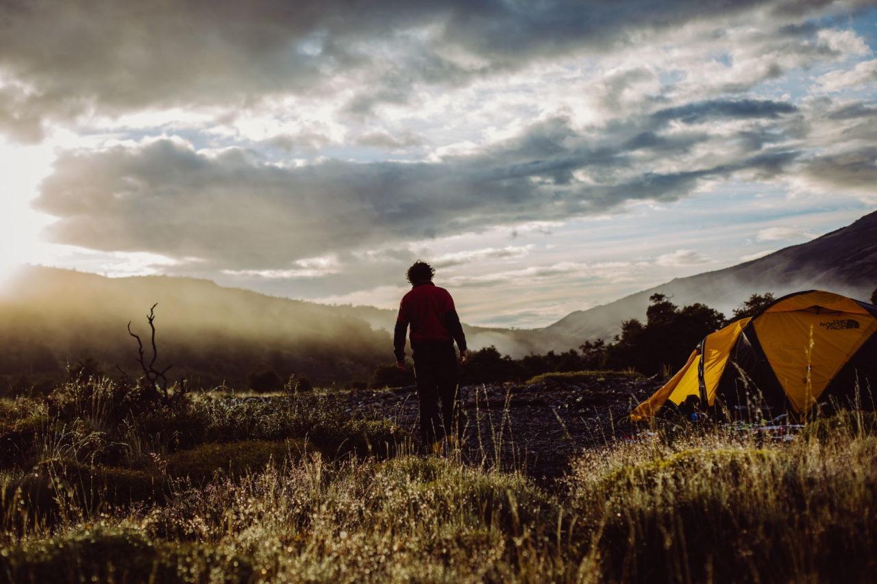Camping bei Regen 🌧️ So bleibst du im Zelt trocken! (20 Tipps) 1