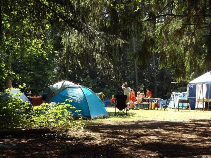 zelte camping im wald