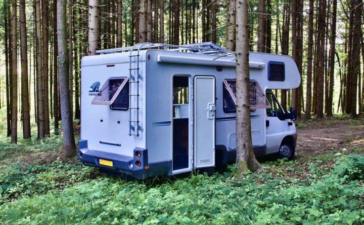 Freistehen mit Wohnmobil im Wald