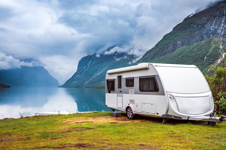 Wohnwagen am See